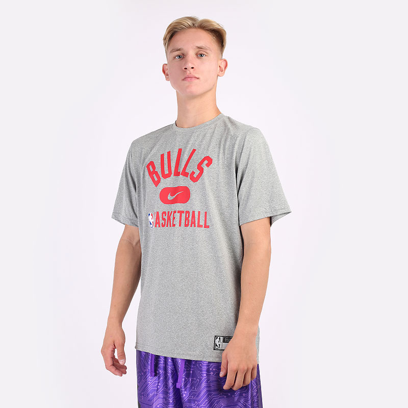 мужскую серую  футболка nike chicago bulls dri-fit nba t-shirt DA5916-063 - цена, описание, фото 1