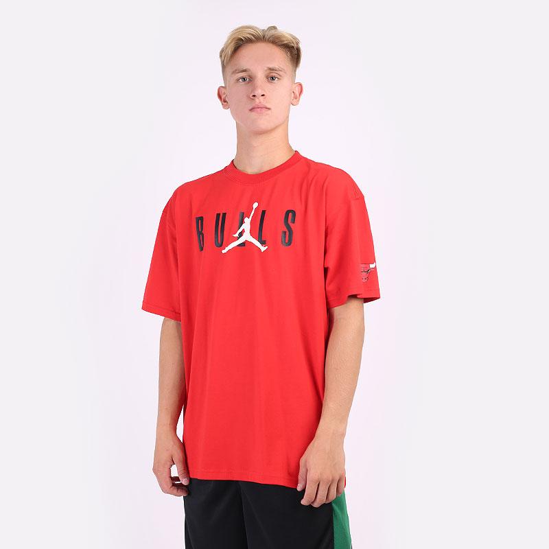 мужская красная футболка Jordan  Chicago Bulls NBA Courtside Tee DA6506-657 - цена, описание, фото 1
