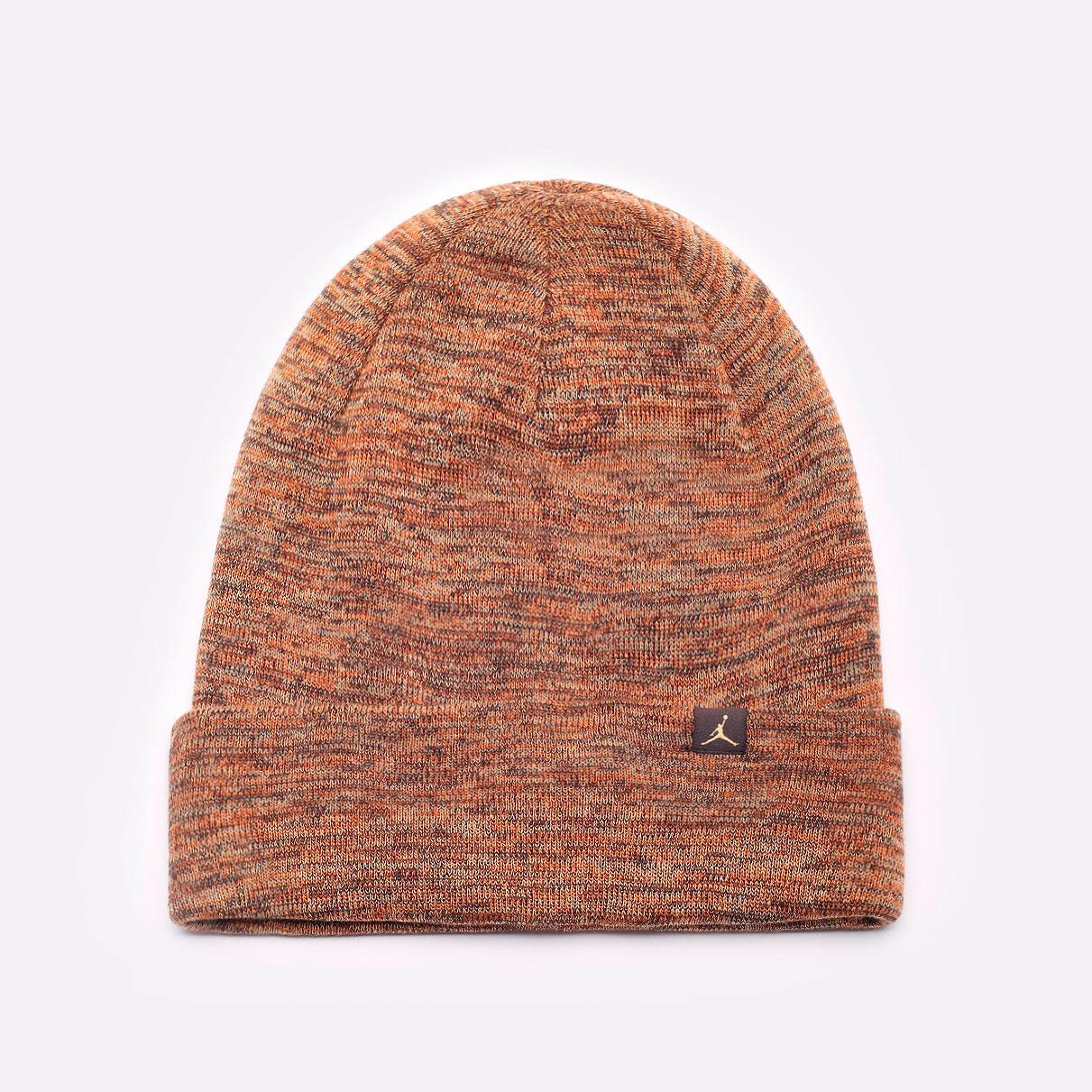 коричневая шапка Jordan Beanie Cuffed Jumpman DJ6048-246 - цена, описание, фото 1