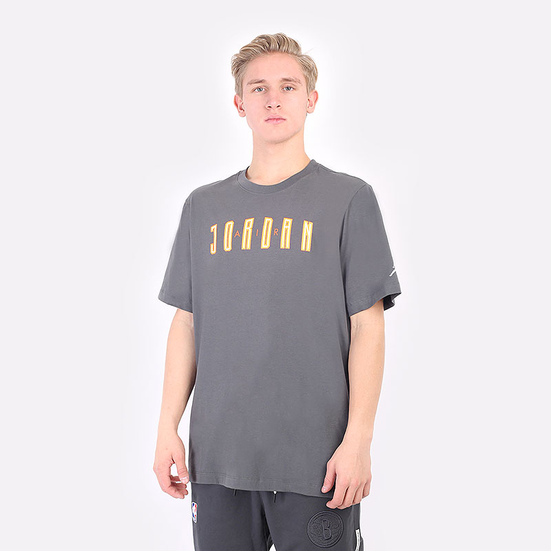 мужская серая футболка Jordan  DNA Hbr Crew DA9908-068 - цена, описание, фото 1