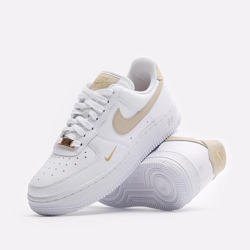 женские белые кроссовки Nike WMNS Air Force 1 '07 ESS CZ0270-105 - цена, описание, фото 2