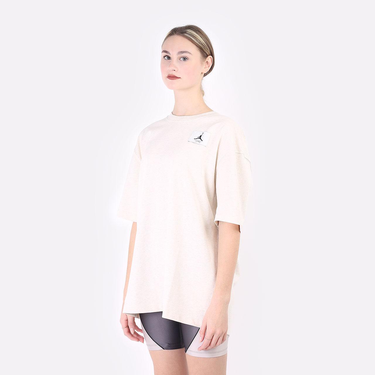 женская бежевая футболка Jordan Jordan Essentials DD7057-113 - цена, описание, фото 1