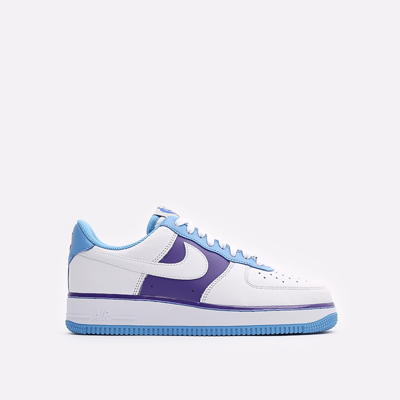 мужские белые кроссовки Nike Air Force 1 '07 LV8 EMB DC8874-101 - цена, описание, фото 1