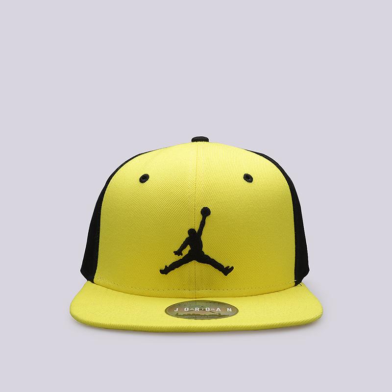Кепка Jordan Jumpman SnapbackКепки<br>Полиэстер, хлопок<br><br>Цвет: Желтый, черный<br>Размеры US: 1SIZE<br>Пол: Мужской