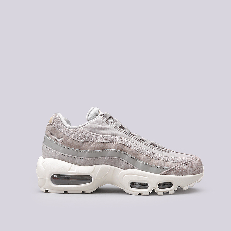 Кроссовки Nike WMNS Air Max 95 PRMКроссовки lifestyle<br>Кожа, текстиль, резина, пластик<br><br>Цвет: Серый<br>Размеры US: 6;6.5;7;9<br>Пол: Женский