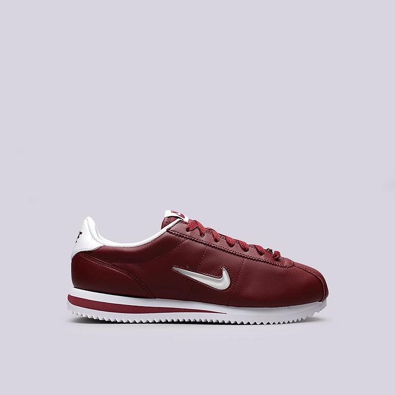 Кроссовки Nike Cortez Basic JewelКроссовки lifestyle<br>Кожа, текстиль, резина<br><br>Цвет: Бордовый<br>Размеры US: 11.5<br>Пол: Мужской
