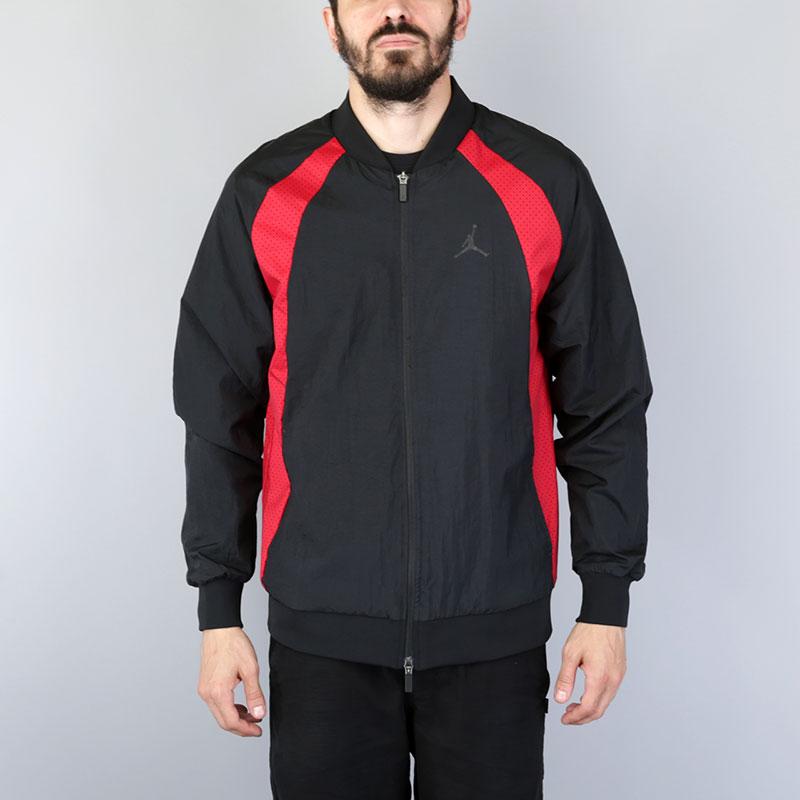 Куртка Jordan Wings Muscle JacketКуртки, пуховики<br>Нейлон, полиэстер<br><br>Цвет: Черный<br>Размеры US: S;M;L;XL;2XL<br>Пол: Мужской