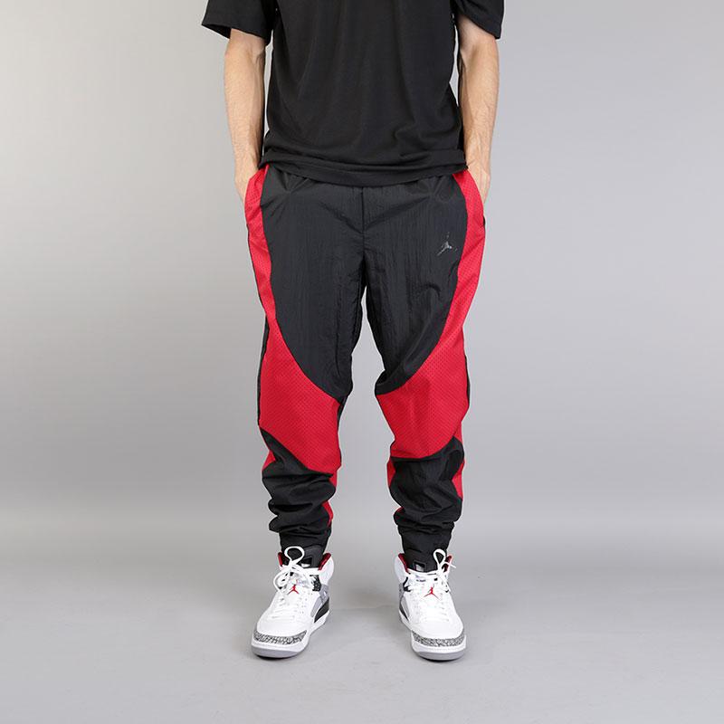 Брюки Jordan JSW Wings Muscle PantБрюки и джинсы<br>Нейлон, полиэстер<br><br>Цвет: Черный<br>Размеры US: S;2XL<br>Пол: Мужской