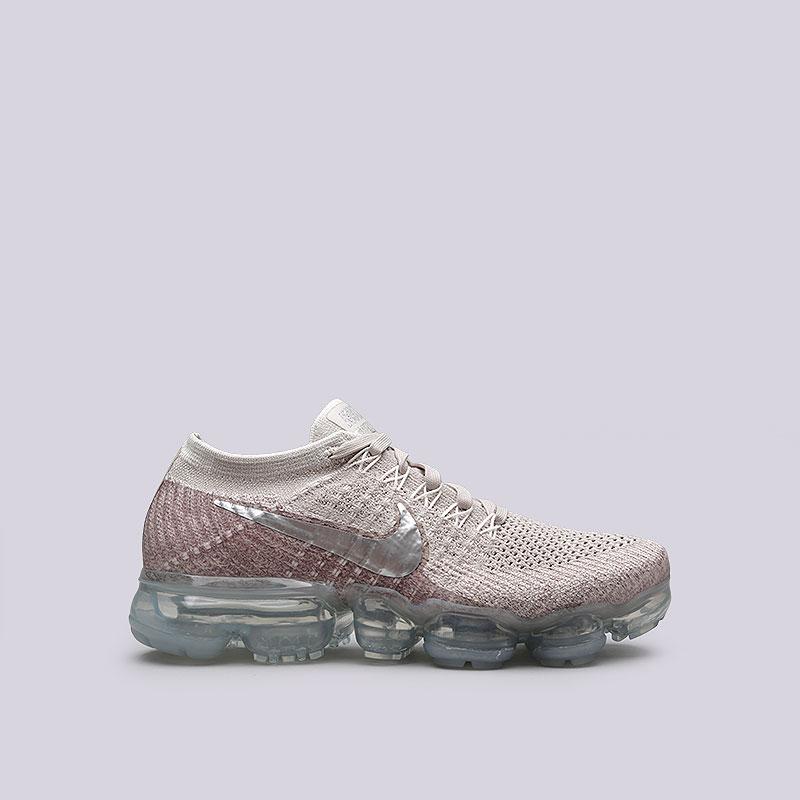 Кроссовки Nike Sportswear WMNS Air Vapormax FlyknitКроссовки lifestyle<br>Пластик, текстиль, резина<br><br>Цвет: Бежевый<br>Размеры US: 6;7;7.5;8;9<br>Пол: Женский