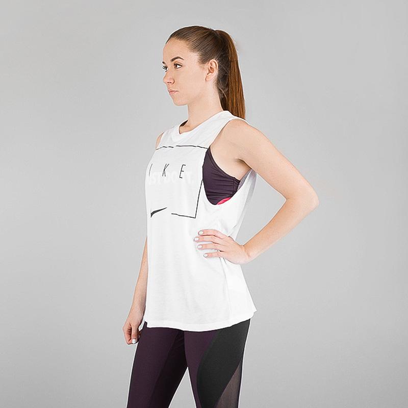 Майка Nike DRYФутболки<br>Полиэстер, хлопок, вискоза<br><br>Цвет: Белый<br>Размеры US: XS;M;L;XL<br>Пол: Женский