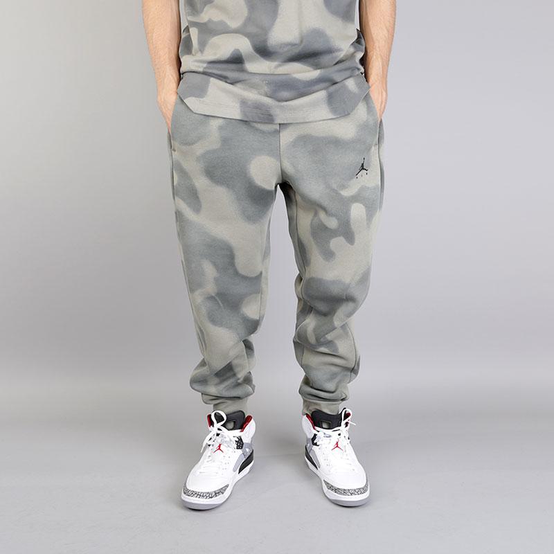 Брюки Jordan Lifestyle P51 FlightБрюки и джинсы<br>Хлопок, полиэстер<br><br>Цвет: Серый<br>Размеры US: S;M;XL<br>Пол: Мужской