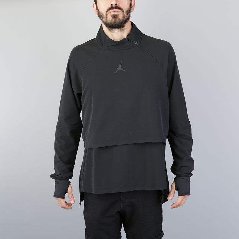 Толстовка Jordan 23 Tech Shield JacketТолстовки свитера<br>Полиэстер, эластан<br><br>Цвет: Черный<br>Размеры US: L<br>Пол: Мужской