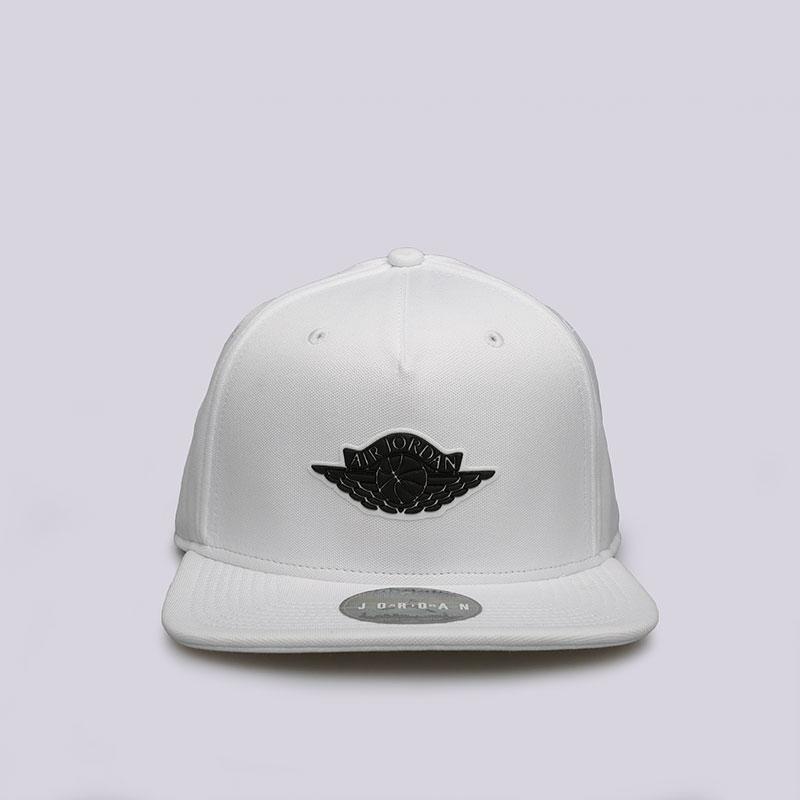 Кепка Jordan Wings StrapbackКепки<br>Полиэстер, хлопок<br><br>Цвет: Белый<br>Размеры US: OS
