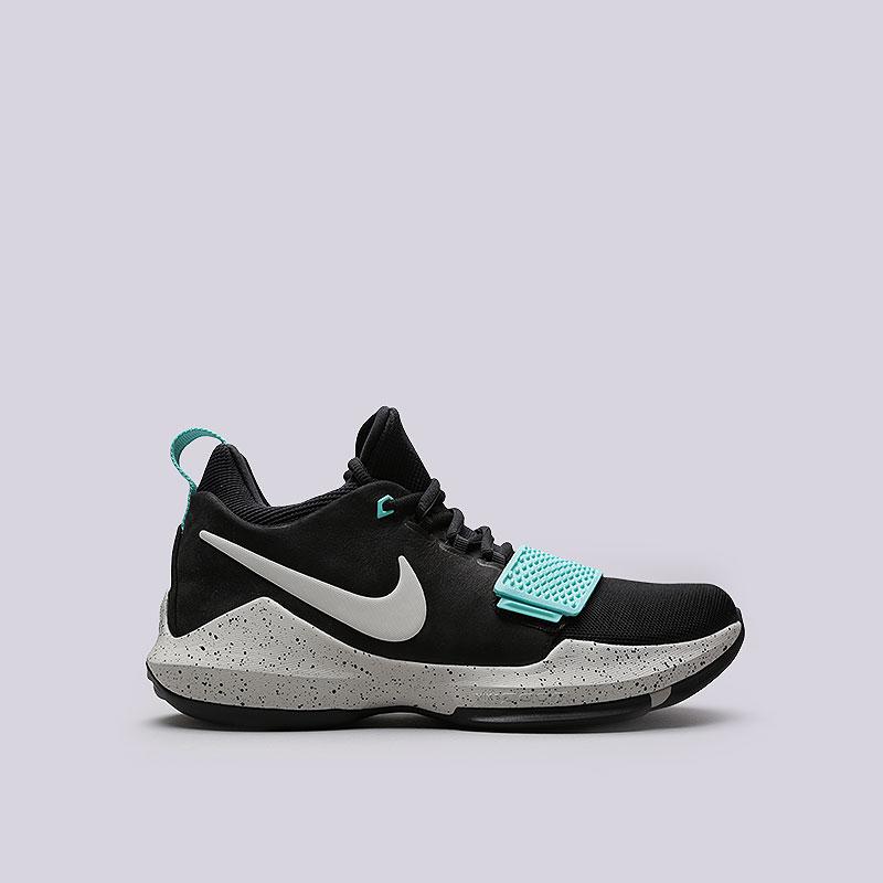 Кроссовки Nike PG 1Кроссовки баскетбольные<br>Кожа, текстиль, пластик, резина<br><br>Цвет: Черный<br>Размеры US: 7;7.5;8;8.5;9;9.5;10;10.5;11;11.5;12;12.5;13;13.5;15<br>Пол: Мужской