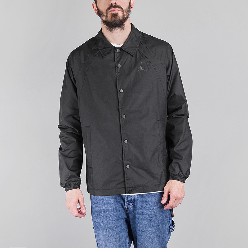 Куртка Jordan SPORTSWEAR WINGS COACHESКуртки, пуховики<br>Полиэстер<br><br>Цвет: Черный<br>Размеры US: S;M;L;XL;2XL<br>Пол: Мужской