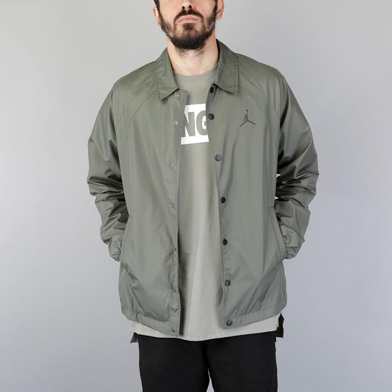 Куртка Jordan Coaches JacketКуртки, пуховики<br>Полиэстер<br><br>Цвет: Оливковый<br>Размеры US: S;M;L;XL;2XL<br>Пол: Мужской