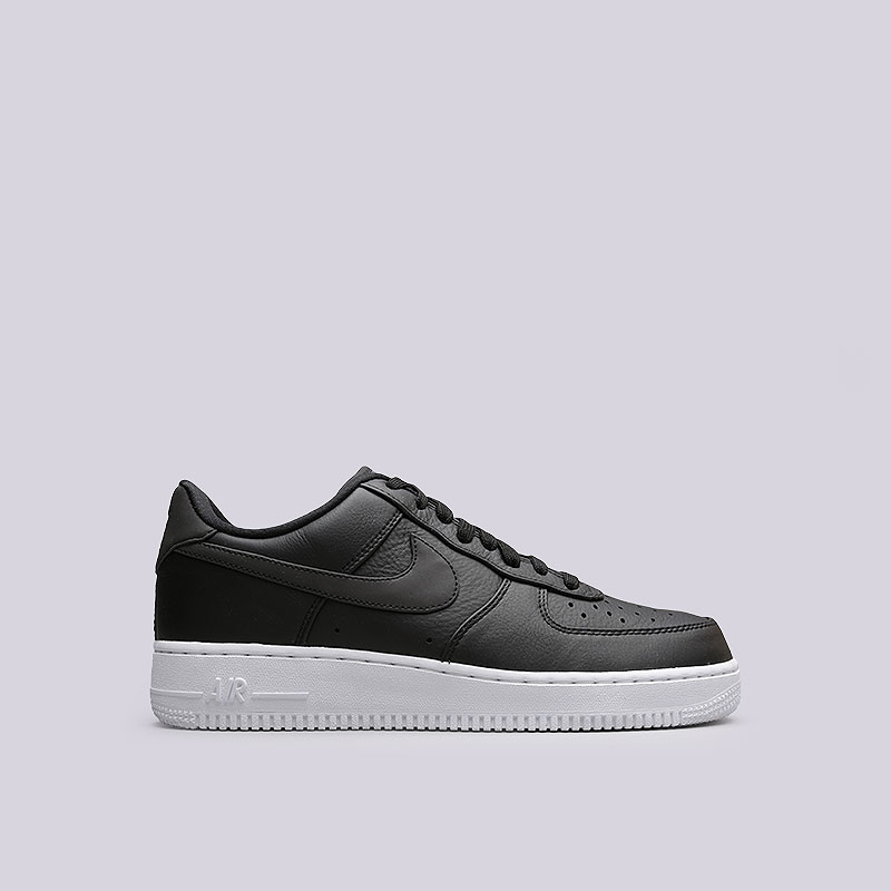 Кроссовки Nike Sportswear Air Force 1 `07 PRMКроссовки lifestyle<br>Кожа, пластик, текстиль, резина<br><br>Цвет: Черный<br>Размеры US: 8;9;9.5;10.5;11;12;13<br>Пол: Мужской