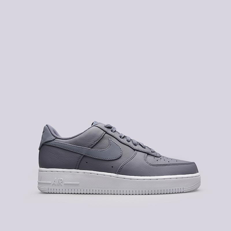 Кроссовки Nike Air Force 1 `07 PRMКроссовки lifestyle<br>Кожа, текстиль, резина, пластик<br><br>Цвет: Сиреневый<br>Размеры US: 8.5;9;10;11.5;12.5<br>Пол: Мужской