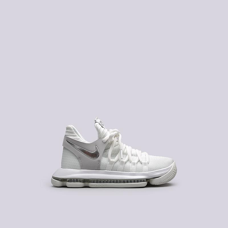 Кроссовки Nike Zoom KD10 (GS)Кроссовки баскетбольные<br>Текстиль, резина<br><br>Цвет: Белый<br>Размеры US: 4.5Y;4Y;5.5Y;5Y;6.5Y;7Y<br>Пол: Женский