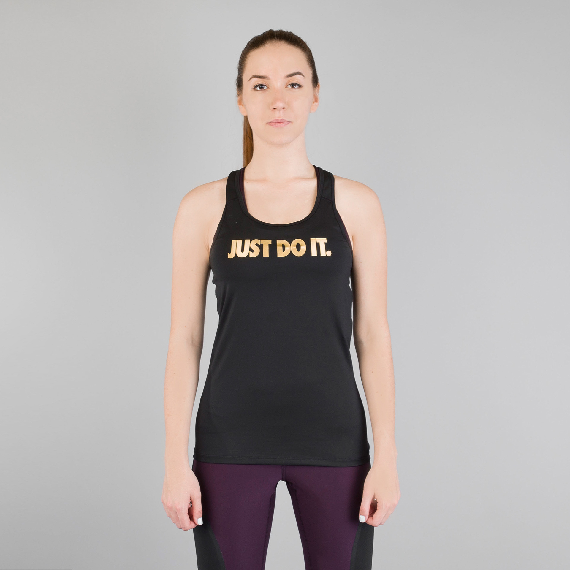 Майка Nike Pro DRY FITФутболки<br>Полиэстер, эластан<br><br>Цвет: Черный<br>Размеры US: M;L<br>Пол: Женский