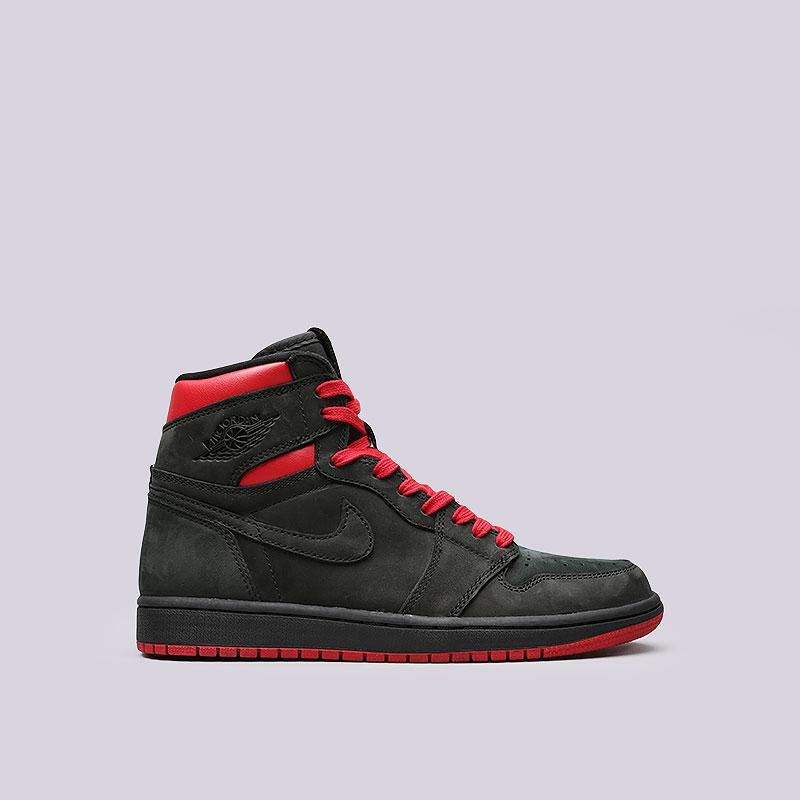 Кроссовки Jordan 1 Retro High OG Q54Кроссовки lifestyle<br>Кожа, синтетика, текстиль, резина<br><br>Цвет: Черный, синий, красный<br>Размеры US: 8.5;11;12.5;13;15<br>Пол: Мужской