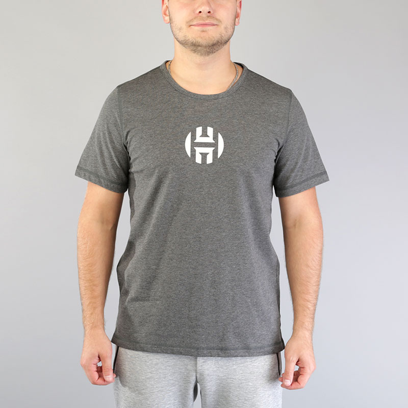Футболка adidas HRDN Logo TeeФутболки<br>Хлопок, полиэстер<br><br>Цвет: Серый<br>Размеры UK: S;M;L;XL;2XL<br>Пол: Мужской