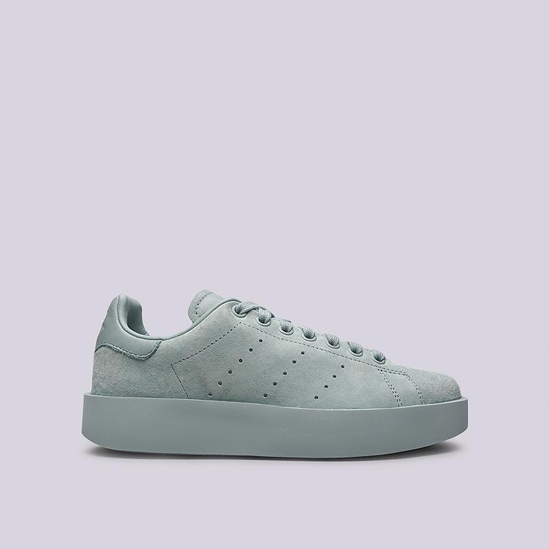 Кроссовки adidas Stan Smith Bold WКроссовки lifestyle<br>Кожа, текстиль, резина<br><br>Цвет: Голубой<br>Размеры UK: 6.5;7;7.5;8<br>Пол: Женский