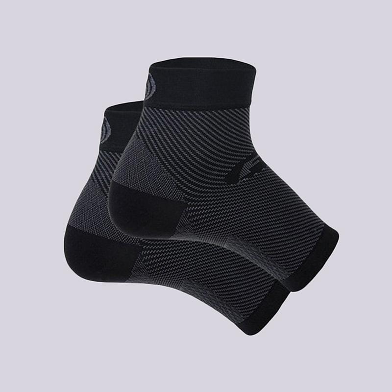 черный  фиксатор голеностопа os1st performance foot sleeve OS1-3234B - цена, описание, фото 1