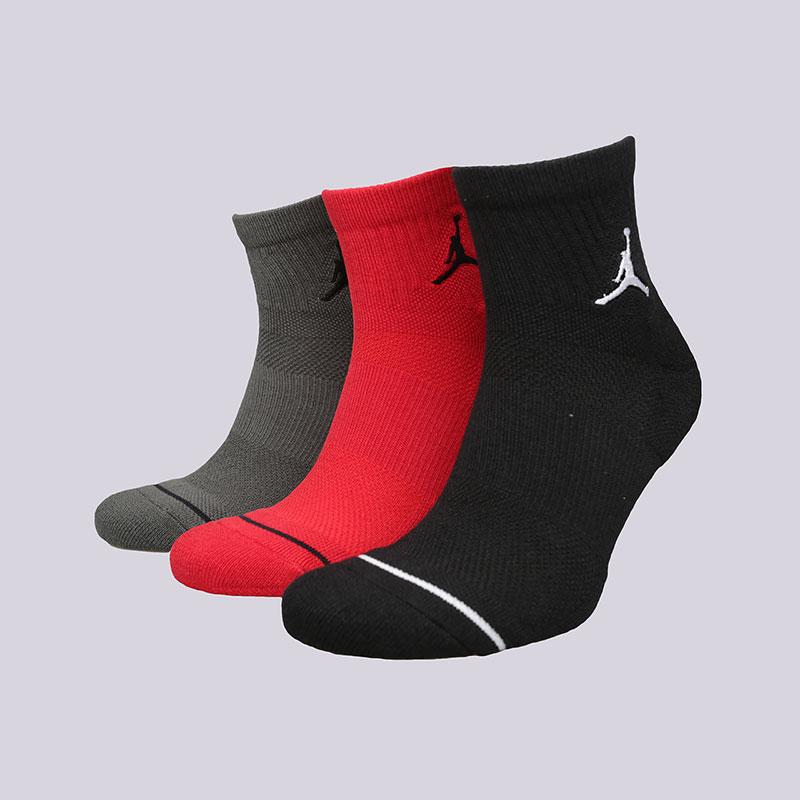 Носки Jordan Jumpman QTR 3PackНоски<br>Хлопок, синтетика<br><br>Цвет: Черный, красный, серый<br>Размеры US: M;L;XL<br>Пол: Мужской